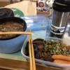 保温性の強いカップに汁ものを入れてきた。 職場での、自炊弁当。