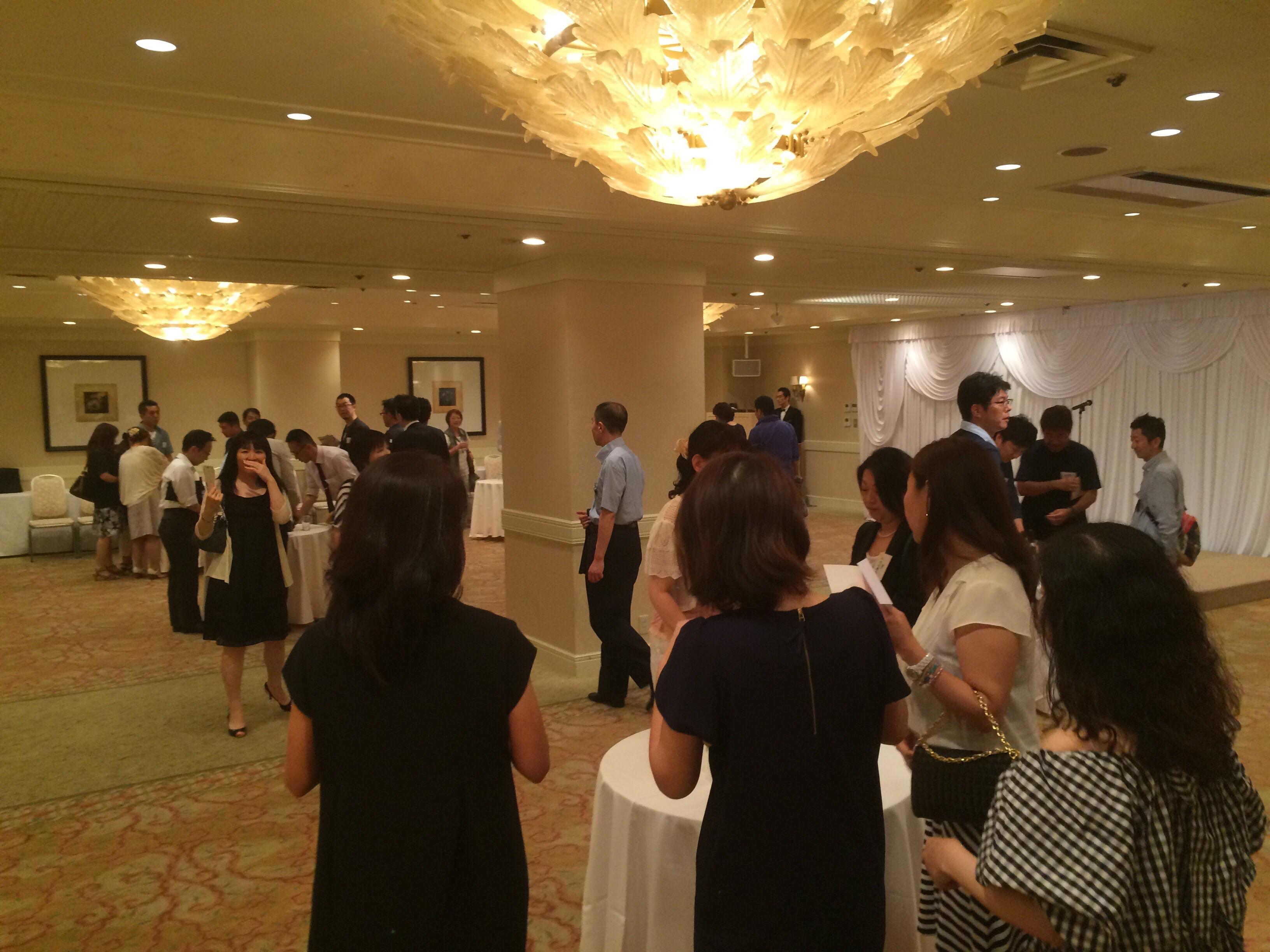 名古屋市立瑞穂ヶ丘中学校。 略して《瑞中》同窓会は30年ぶりの再会。