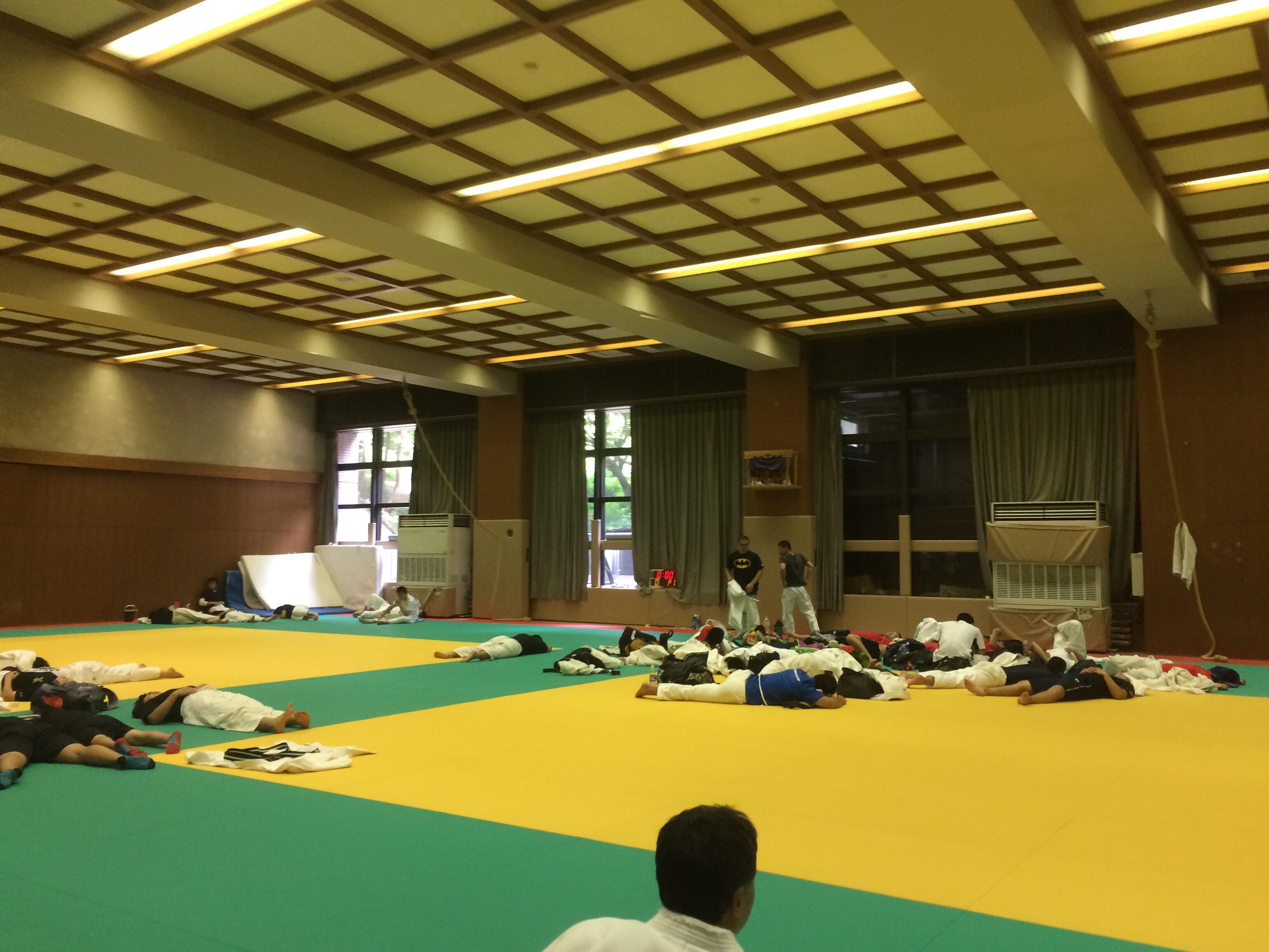《炎の乱取り祭り…again》日本工学院専門学校で午後から出稽古。