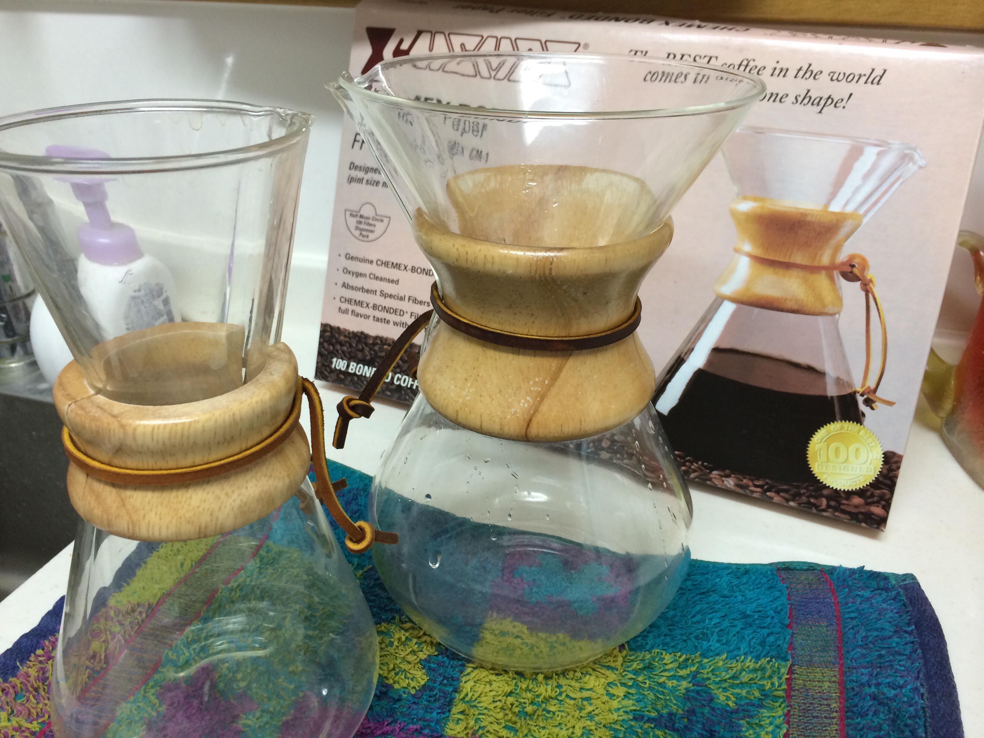 コーヒー好きの小生、スタバのマグで挽きたてのコーヒーを楽しむ!