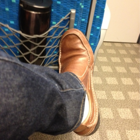 お気に入りの靴。パタゴニアの「メンズ カードン」はき心地、最高です。