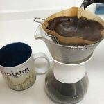 【やすらぎのコーヒータイム】お湯を注ぐポットを少し触るだけで、これほど便利に。