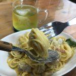 【カルボナーラは大好物。もうとまらない!】定休日に自炊ランチを楽しんだのだ。